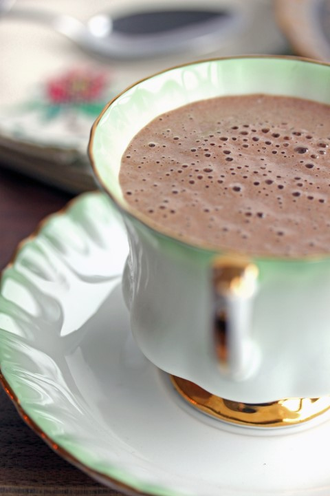 Hot Chocolate Breakfast Smoothie!  Photo Credit: LynseyLovesFood.com
