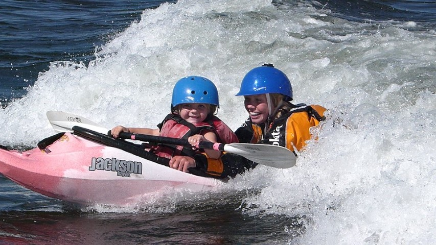 See the smiles ... that's what kayaking does!
