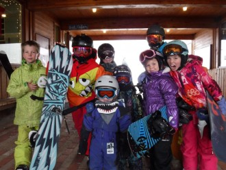 Toddlers-Snowboarding