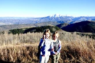 Hiking-Sunlight-Mountain
