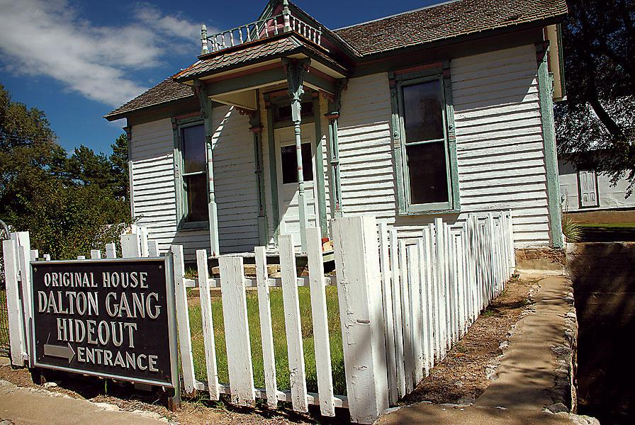 Missouri Adventures continue with crime history!