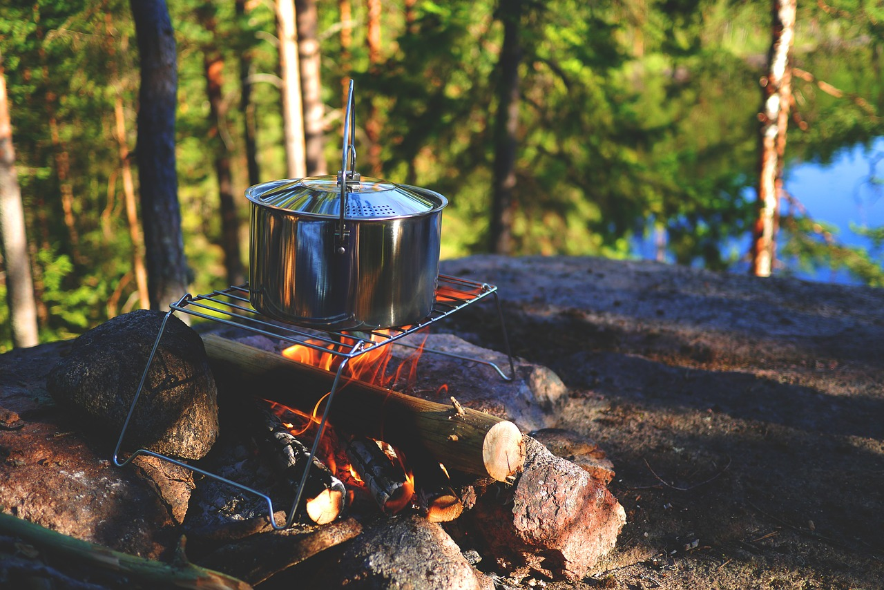 Fall Camping Tips include cookware!