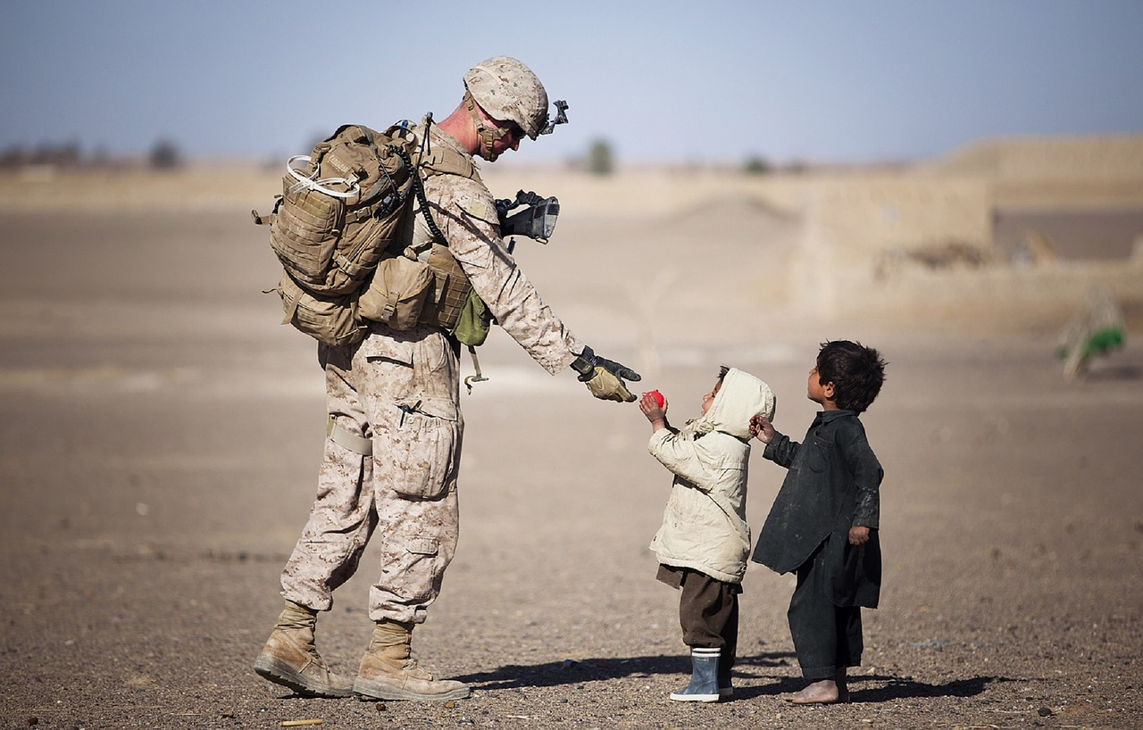 Keep Christ in Christmas by sending a letter to a US Soldier.