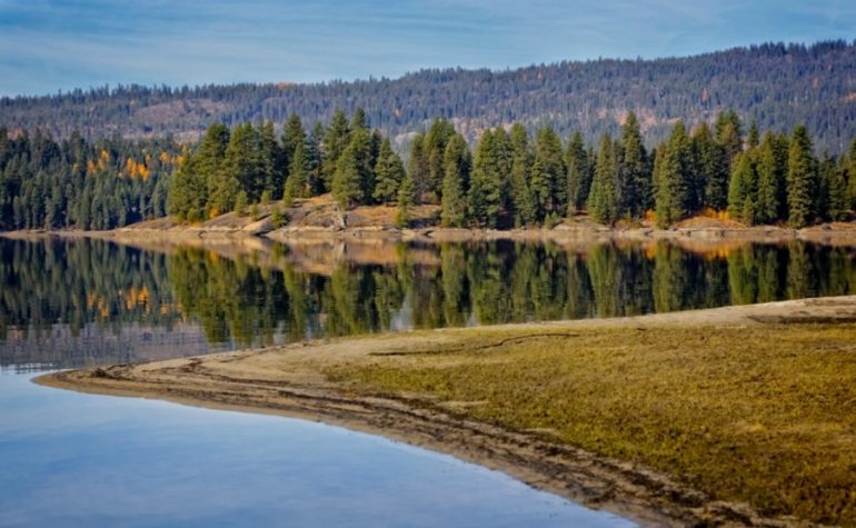 On your next Idaho Road Trip, be sure to check out Payette Lake, one of the best Free Things To Do In Idaho.