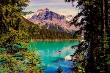 Emerald Lake Yoho Nationa Park is absolutely beautiful.